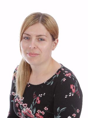 Miss Leanne Cousins