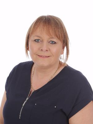 Mrs Jeanette Beech