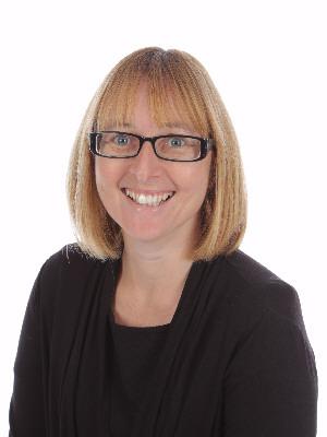 Mrs Lyndsey Briggs